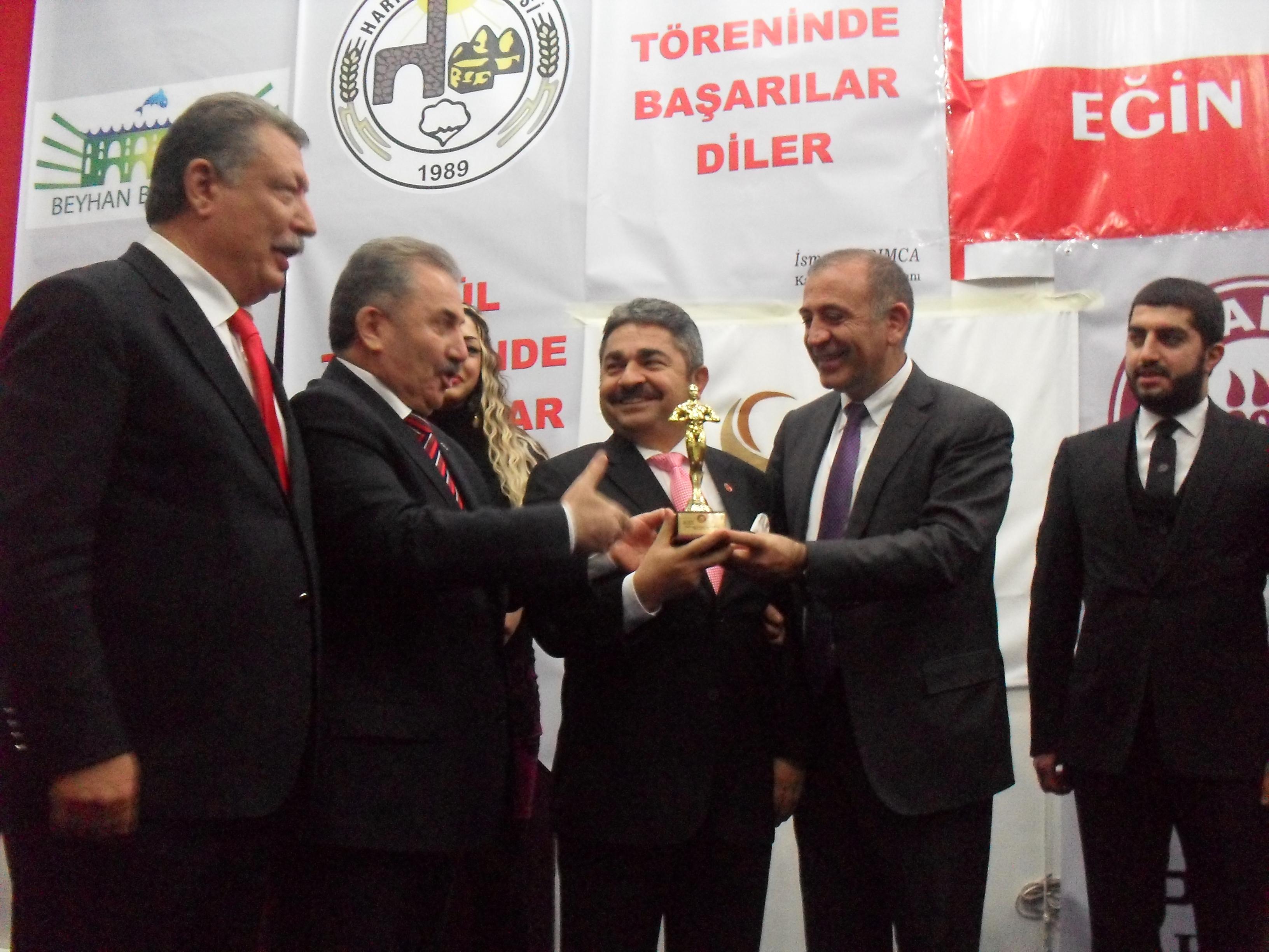 Yılın İş adamı ödülü Sultanbeyli'ye geldi