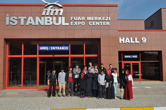 """Genç Gelecek Bilim Kulübü Üyeleri """" Inovasyon Türkiye"""" Teknoloji Fuarını Gezdi"""