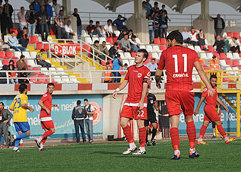 Sancaktepe Belediyespor Darıca Gençlerbirliği'ni liderlikten etti