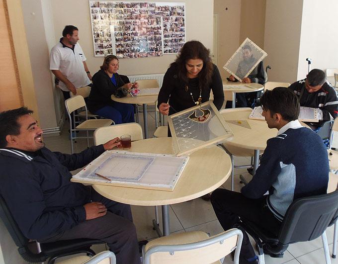 Sancaktepe'de engeller eğitimle aşılıyor