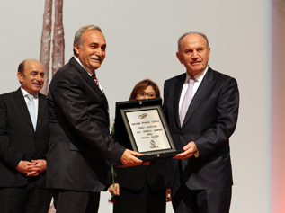 Başkan Topbaş Ulusal Kalite Ödüllerini verdi