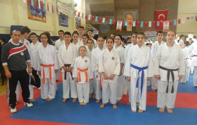 Sancaktepeli karateciler madalyaya doymadı