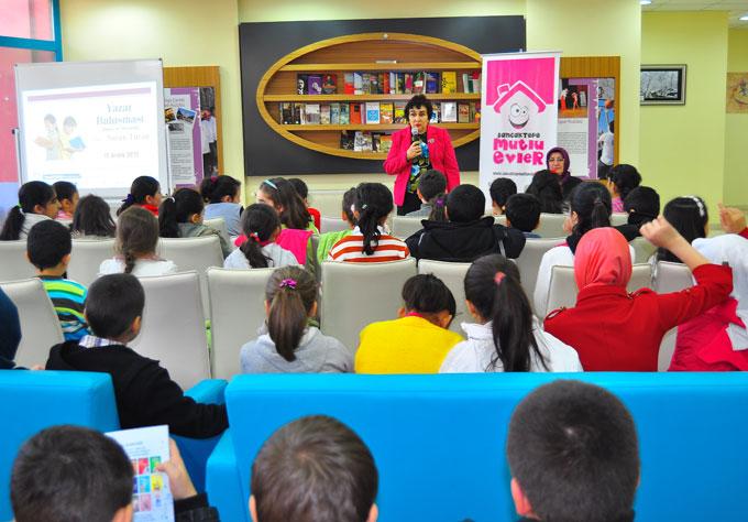 Çocuk Kulübü Üyeleri Yazar Nuran Turan ile buluştu
