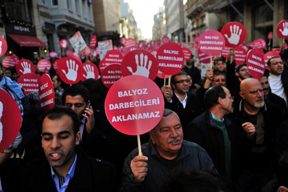 Taksim'de 'Balyozcular aklanamaz' eylemi