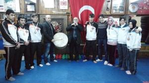 Şampiyonlara Davullu Zurnalı Kutlama
