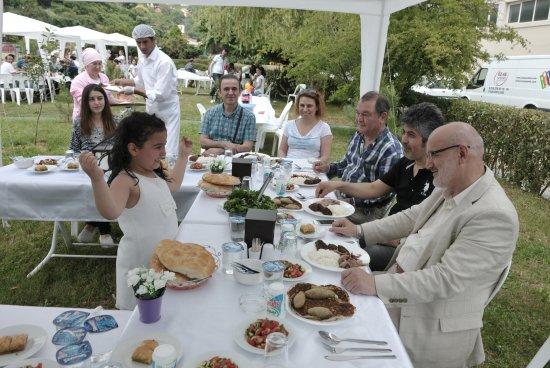 Piknikçilere Sürpriz Ziyaret