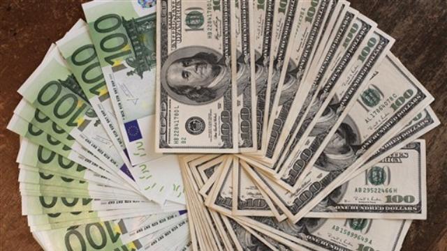 Dolar 2,94 Tl, Euro 3,28 TL'ye Geriledi