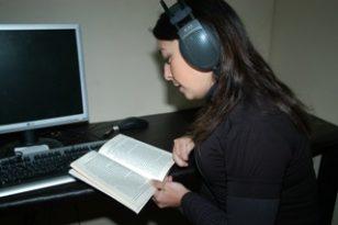 ANLAMLI PROJE 'EVDE KAL KİTAPLARA SES VER'