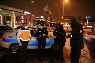 POLİS VE BEKÇİLERE ÇORBA İKRAMI